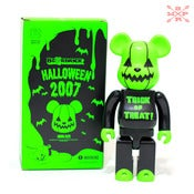 "Image of Medicom Bearbrick 400% ""Trick or threat"" Halloween 2007"