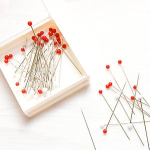 Image of Glass Head Silk Pins