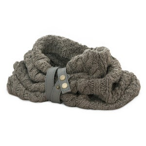 Image of VELA Handknit Banana Yarn Snood with Leather Strap - PLAIN CABLE