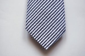 Image of NAVY STRIPED SEERSUCKER TIE - LS002