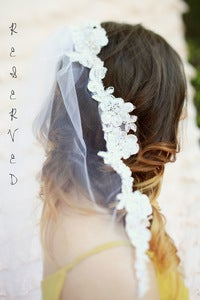 Image of RESERVED finger tip Chantilly lace veil