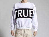 Image of ETHEL VAUGHN&lt;br&gt;TRUE SWEATSHIRT&lt;br&gt;WHITE/BLACK