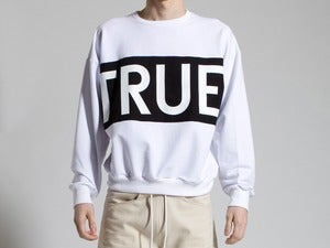 Image of ETHEL VAUGHN<br>TRUE SWEATSHIRT<br>WHITE/BLACK