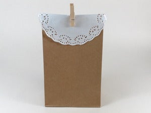 Image of Doily Favor Kraft Bag Set