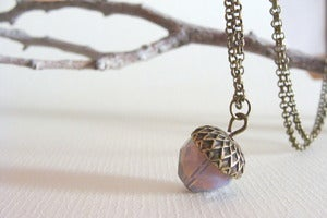 Image of Acorn violeta Colgante/Necklace