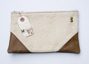 Image of -SOLD OUT- vintage floral lace clutch with brown leather corners
