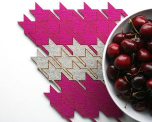 Image of eco-friendly houndstooth table tiles - pink
