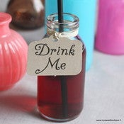 "Image of Etiquettes kraft ou blanches vintage ""Eat me"" ou ""Drink me"" - par 4"