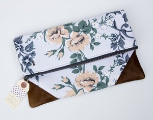 Image of 40% OFF! a foldover clutch in grey + peach vintage floral