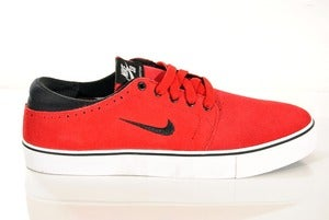 Image of NIKE SB team edition 2 gym red