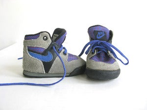 Image of Vintage 1989 Nike Lava Infant Hiking Boots, sz 2.5