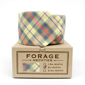 Image of yellow plaid {necktie}