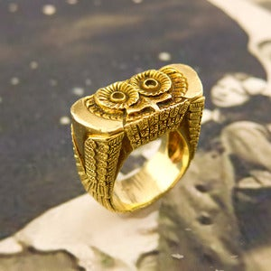 Image of Extraordinary Vintage Tiffany & Co. Gold Owl Ring
