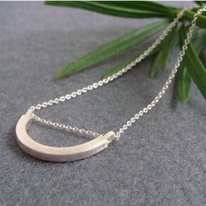 Image of curve necklace