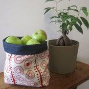 Image of Handmade Fabric Bucket - red daisies