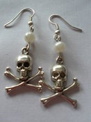 Image of Skull & Crossbone Pirate Nautical Rockabilly Punk Silvertone Earrings with pearl detail