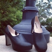 Image of black heel with unexpected STYLE!!