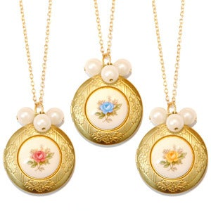 Image of Heirloom Rose Cameo Locket Necklace