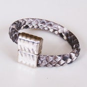 Image of BRAZALETE PIEL DE SERPIENTE