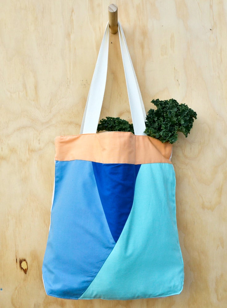 Image of APPLIQUE TOTE 2