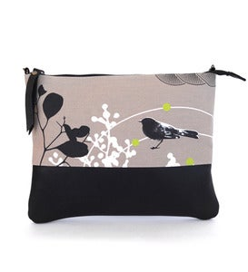 Image of LEATHER CLUTCH (with chain) Willie Wagtail