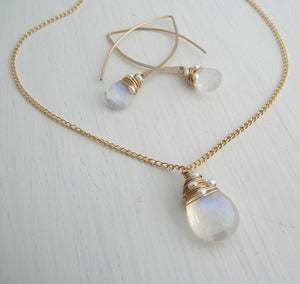 Image of Moonstone Woven Pearl Set