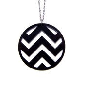 Image of chevron necklace [black]