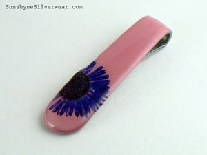 Image of Spoon Handle Pendant: Pink with Purple English Daisy