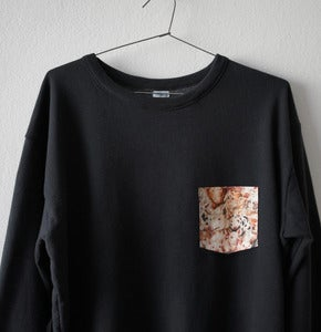 Image of PIGS POCKET BLACK SWEATSHIRT