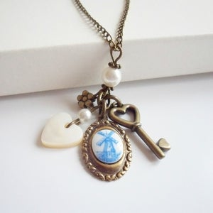 Image of Vintage Keepsake Necklace