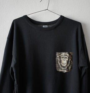 Image of MONKEY POCKET BLACK SWEATSHIRT