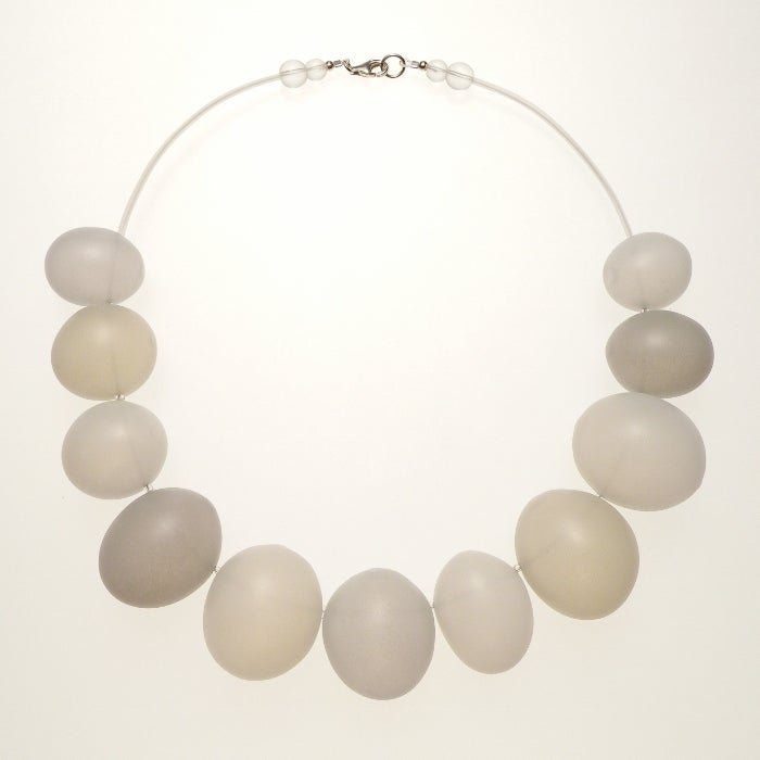 Image of EGGSHELL necklace/oblong white