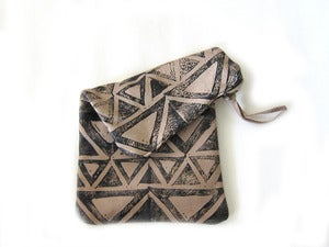 Image of Medium bone/black Triangles hand-printed leather long pouch