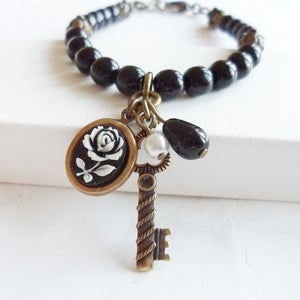 Image of Vintage Style Reminisce Bracelet