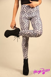 Image of Keep Calm &amp; Carry On Leggings