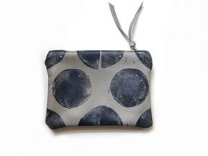 Image of Small grey/navy Os hand-printed leather pouch