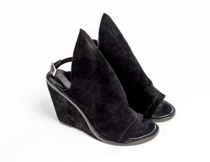 Image of BOULEVARD wedges (black suede)