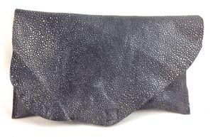 Image of sting ray mini clutch (grey)