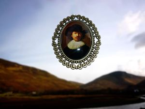 Image of  Rembrandt OMARINA Heirloom Collection - Large Dutch Master PIN BROOCH