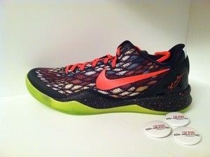 "Image of Nike Kobe 8 ""Christmas"""