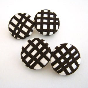 Image of Chocolate &amp; White Criss-Cross Hair Clips
