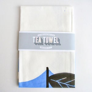 Image of Organic Cotton Tea Towel - Big Apple, Tiny Mouse
