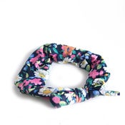 Image of Paige Joanna Daisy Print Headscarf