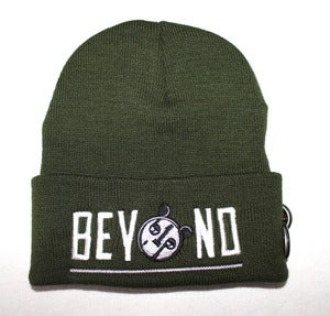 Image of Olive BEYOND Beanie (white/gray)