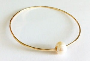 Image of White Freshwater Pearl Gold Bangle