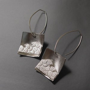 Image of Small Wave Earrings