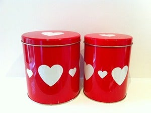 Image of VINTAGE HEARTS TINS REGENCY WARE