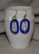 Image of White Pearl Stack w/ Cobalt Blue Glass
