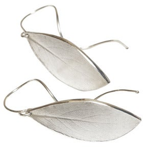 Image of botanic: blackthorn leaf earring with tendril earwire