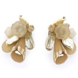 Image of Vintage Retro 1970s Brown & Gold Floral Plastic Clip On Earrings
